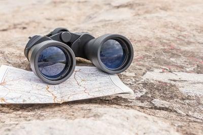 insight - binoculars - AdobeStock_228295718